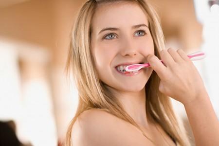 Khả năng gây đau khi niềng răng mắc cài tự đóng